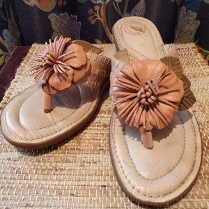 Pretty Nurture brand leather Magnolia sandals sz 9